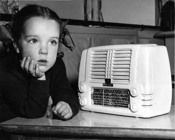 niña radio